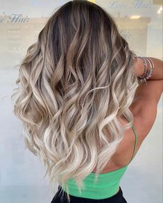 Best Ombre Hair, Balayage Hair, Hair Makeup, Photo And Video, Long Hair Styles, Instagram Posts, Beauty, Videos, Women