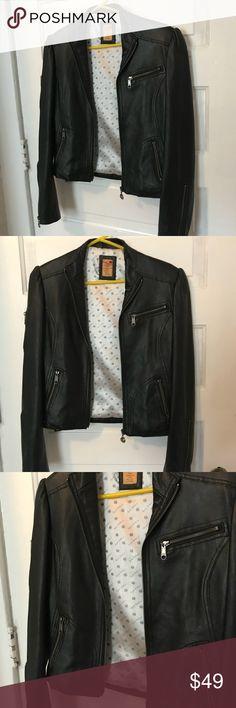 Women's Leather Jacket - size medium Women's Leather Jacket - Size: medium. Material: Genuine Leather. Brand: Apple Bottom  Great Condition!! Apple Bottoms Jackets & Coats