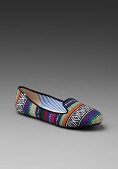 slipper shoe please.