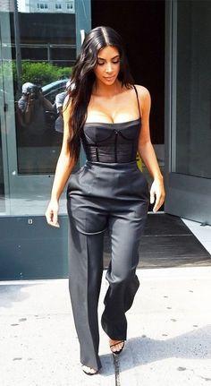 Steal her Style. Kim Kardashian. #fashion #style #outfit #kimkardashian #celebrity #blackoutfit