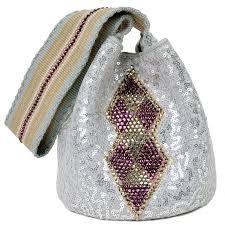 Resultado de imagen para mochilas wayuu con cristales