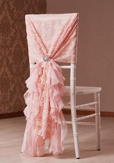 BLUSH PINK CHIFFON HOOD WITH RUFFLES FOR CHIAVARI CHAIR WEDDING BROOCH PEARLS LACE FLEUR COUTURE PHILIP RYOTT PHOTOGRAPHY