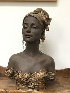 African Sculptures, Sculptures Céramiques, Stone Sculpture, Sculpture Clay, Anatomy Sculpture, Sculpture Techniques, Pottery Animals, Marble Painting, Sculpture Projects