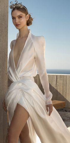 Ronalina 2019 Wedding Dresses : 2019 Bridal Collection A Line Gown, Pink Ring, Bride Look, Designer Wedding Dresses, Bridal Collection, Boho Chic, Wedding Decorations, Designers, Vintage Fashion