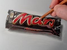 How to draw Mars chocolate bar. Realistic drawing and coloring. Materials used: Pastell paper: light gray. H graphit and charcoal pencils (Derwent) Markers.