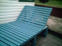 Pallet garden lounge chair