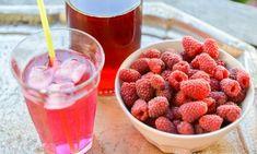 God läskande hemgjord hallonsaft med is. Vodka, Raspberry, Fruit, Food, Meals, Raspberries