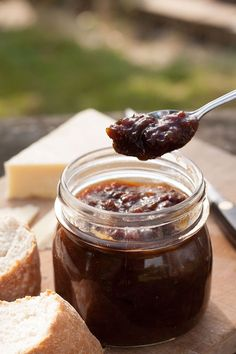 Easy to make, Mr.B's Award winning Rhubarb Chutney has a delicious sweet & sour tang and is a real winner. Keeps for up to 1 year. Relish Recipes, Chutney Recipes, Jam Recipes, Canning Recipes, Curry Recipes, Recipies, Pudding Recipes, Kitchen Recipes, Rhubarb Chutney