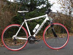 Cucuma Chili Deore Cross Vbrake matt weiß mit roten Reifen ... Cucuma - direkt und individuell - designe Dir Dein eigenes Rad und kaufe direkt beim Hersteller - www.cucuma.com