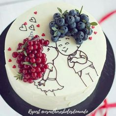 Cake decorated with berries ^^ A handful of ideas like this one for you in our - Sweets - Kuchen Pretty Cakes, Cute Cakes, Beautiful Cakes, Amazing Cakes, Food Cakes, Cupcake Cakes, Fruit Cakes, Cake Recipes, Dessert Recipes
