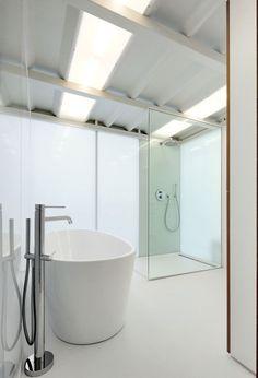 Inloopdouche - moderne witte badkamer