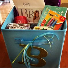 Engagement Gift: Bride-to-Be Box of Goodies! Feel free to someday give me this or an equivalent, Em. In the distant future. When I am finally engaged. Bride To Be Box, Bride Gifts, Wedding Gifts, Wedding Ideas, Craft Gifts, Diy Gifts, Holiday Gifts, Christmas Gifts, Engagement Gifts