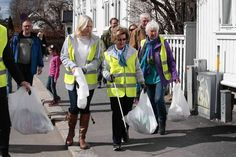 Queen Sonja and Princess Mette-Marit meet Sandefjord Waste Clearing Team