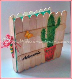 Imagen 0 Album Photo Scrapbooking, Mini Scrapbook Albums, Diy Scrapbook, Popsicle Stick Crafts, Craft Stick Crafts, Paper Crafts, Mini Albums, Diy For Kids, Crafts For Kids