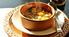 φασολάδα στην παγωμένη λιακάδα & οι καλύτεροι συνδυασμοί - Pandespani.com Bean Soup, Chana Masala, Lentils, Spinach, Main Dishes, Stuffed Mushrooms, Beans, Vegetarian, Diet