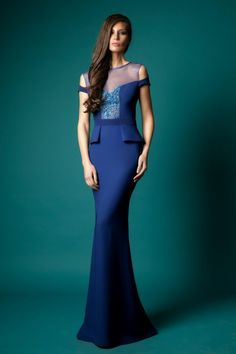 Check Out 35 Beautiful Evening Dresses For Women. If you are looking for the evening dresses, you will have a lot of them. Over the years, designers have constantly focused on the evening wears for women so that there is no shortage of varieties in terms of the designs, shapes and colors.