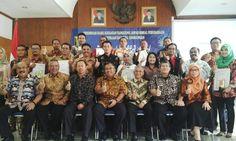 Pemkab Sukabumi Hadiahi Perusahan dengan CSR Award