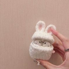 (notitle) – Handy – You are in the right place about airpods unboxing Here we offer you the most beautiful pictures about the airpods pictures you are looking for. When you examine the (notitle) – Handy – part of the picture you can get the massage[. Cute Ipod Cases, Iphone Cases, Iphone 5c, Mobile Accessories, Iphone Accessories, Girly Things, Cool Things To Buy, Mode Pastel, Cute Headphones