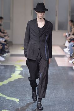 LOOK | 2016 SS PARIS MEN'S COLLECTION | YOHJI YAMAMOTO | COLLECTION | WWD JAPAN.COM