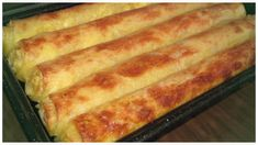 Pita sa sirom na drugačiji način - Kuharski trikovi Bosnian Recipes, Croatian Recipes, Pizza Pastry, Great Recipes, Favorite Recipes, Macedonian Food, Bread And Pastries, Dinner Rolls, Dessert Recipes