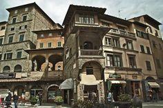 #Cortona che, con il suo stupendo centro #storico. è il principale centro culturale e turistico della #Val di #Chiana #aretina - #Arezzo #Toscana #Tuscany #Italy