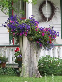 Front Yard Garden Design Front Yard Landscaping Ideas, Tree Stump as an Outdoor Plant Stand - Home and Garden, DIY Projects, Food, Interior Design Lawn And Garden, Garden Art, Planter Garden, Balcony Garden, Corner Garden, Big Garden, Garden Trees, Easy Garden, Herb Garden