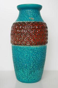 Bay vase, marked: 84-40