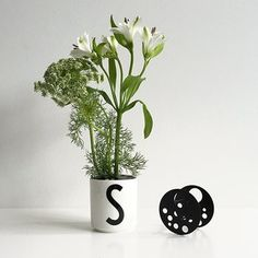 Design Letters Flower holder