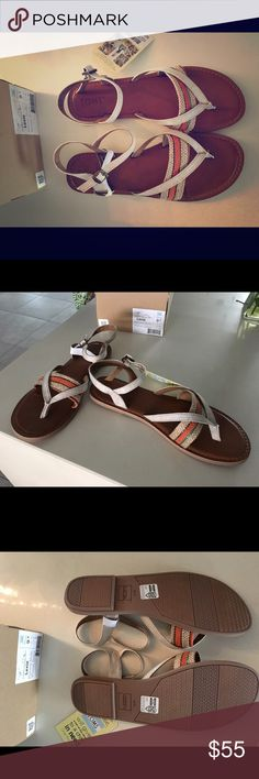 Toms sz 9.5 Lexie sandal NWT/NIB New in box/with tags! Sz 9.5. Smoke free home TOMS Shoes Sandals
