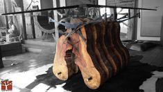 Nativo Redwood. Mesa comedor con base de tronco especial de laurel seccionado…