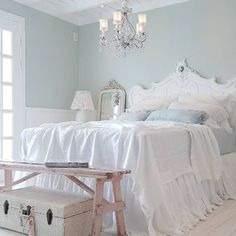 Delicate Shabby Chic Bedroom