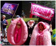 Flaunting vaginas to embarrass Michigan House of Reps. Funny Images, Funny Pictures, Funny True Stories, Vagina, New Inventions, Have A Laugh, Laughing So Hard, Hilarious, Urban