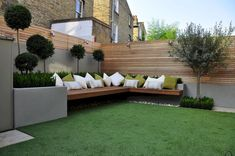 Clever ideas for small backyard garden and patio (38) #TerraceGarden