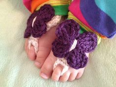 Crochet barefoot sandals for baby... too cute!