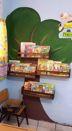 Book shelf and ideas with books Class Decoration, School Decorations, Classroom Design, Classroom Decor, Diy And Crafts, Crafts For Kids, Church Nursery, Kindergarten Classroom, Reading Nook