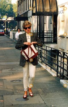 Princess Diana at Harvey Nicholls 10-15-1994 Photo by Bruce Cuthbert-nunn-Globe Photos