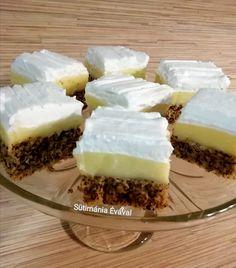 A krémes finomságok kedvelőinek érdemes kipróbálni ezt a csodás sütit! Minion, Cheesecake, Food, Cheesecakes, Essen, Minions, Meals, Yemek, Cherry Cheesecake Shooters