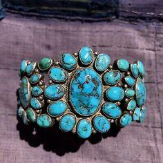 1930s WIDE Zuni NEON Blue Turquoise Old Silver Row Cuff Bracelet 4 Hearts Motif    eBay Turquoise Flowers, Coral Turquoise, Vintage Turquoise Jewelry, Turquoise Bracelet, Native American Rings, Neon, 1930s, Hearts, Ebay