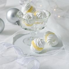 Pusinky s citronovým krémem Meringue Pavlova, Christmas Sweets, Food And Drink, Cooking Recipes, Treats, Baking, Tableware, Cake, Anna