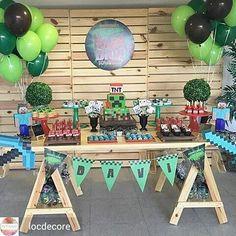 WEBSTA @ carolfesteira - Que legal! @Regrann from @locdecore -  E hoje rolou festa Minecraft produzida pela nossa cliente super especial @grazzygastaldi com nossos moveis e peças! Arrasou, Grazzy!!! 💚 #festaminecraft #minecraftparty #festainfantil #festa #decoraçãodefesta #inspiração #party #partydecor #cake #kidsparty #ideiasparafestas #birthday #firstyear #inspiration #partykids #partyideas #igdefesta #sweettable #carolfesteira