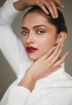 Beautiful make-up for the wedding season! {Deepika Padukone on the cover of Femina September Style Deepika Padukone, Deepika Padukone Wallpaper, Indian Makeup, Indian Beauty, Bollywood Actors, Bollywood Celebrities, Bollywood Girls, Dipika Padukone, Celebrity Makeup Looks