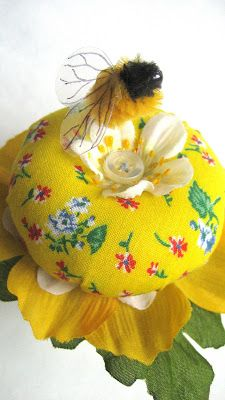 Running With Scissors: DIY: Blossom and Bumblebee pin cushion