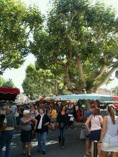 Vaison-la-Romaine market Explore the Provence region at your own pace http://www.detours-in-france.com/Provence-walking-tour-108-2-10.html http://www.detours-in-france.com/Provence-walking-tour-38-2-10.htm