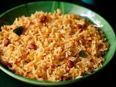 Mango Rice Recipe with step by step photos. This raw mango rice recipe is a spiced, tempered and tangy rice dish made from raw mangoes. Curd Rice Recipe, Best Rice Recipe, Cooked Rice Recipes, Leftover Rice Recipes, Spicy Recipes, Paneer Biryani, Veg Biryani, Ven Pongal Recipe, Kitchens