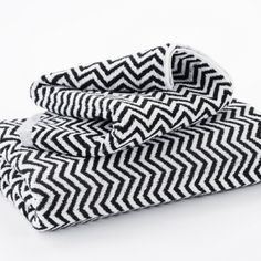 $20 each Hotel Luxury Collection - Black and White 'Herringbone' Bath Towels