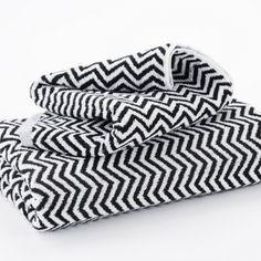 Hotel Luxury Collection - Black and White 'Herringbone' Bath Mats