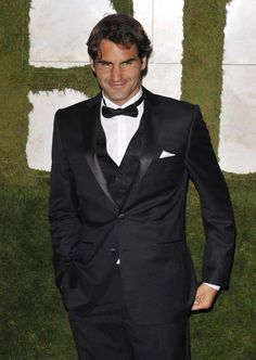 Roger Federer is the BEST tennis player in the world......and gorgeous too!!!