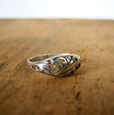 William A Weidinger In Grandview Ohio Oval Cut On 14k White Gold Finger Shaped Ring