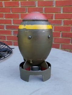 Printed and painted a Fallout mini nuke this week. First proper print! (using Redicubricks' model from YouMagine) Ww2 Bomb, Raspberry Pi Projects, Garage Art, Scrap Metal Art, Metal Shop, Robot Art, Nose Art, Custom Homes, Metal Working