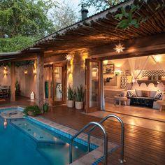 Super holiday home ideas house Ideas Hacienda Style Homes, Spanish Style Homes, Tropical House Design, Tropical Houses, House Bali, Thai House, Future House, Courtyard House, Dream House Exterior